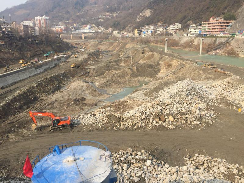 陕西略阳监管缺位 企业盗采砂金致使嘉陵江污染严重